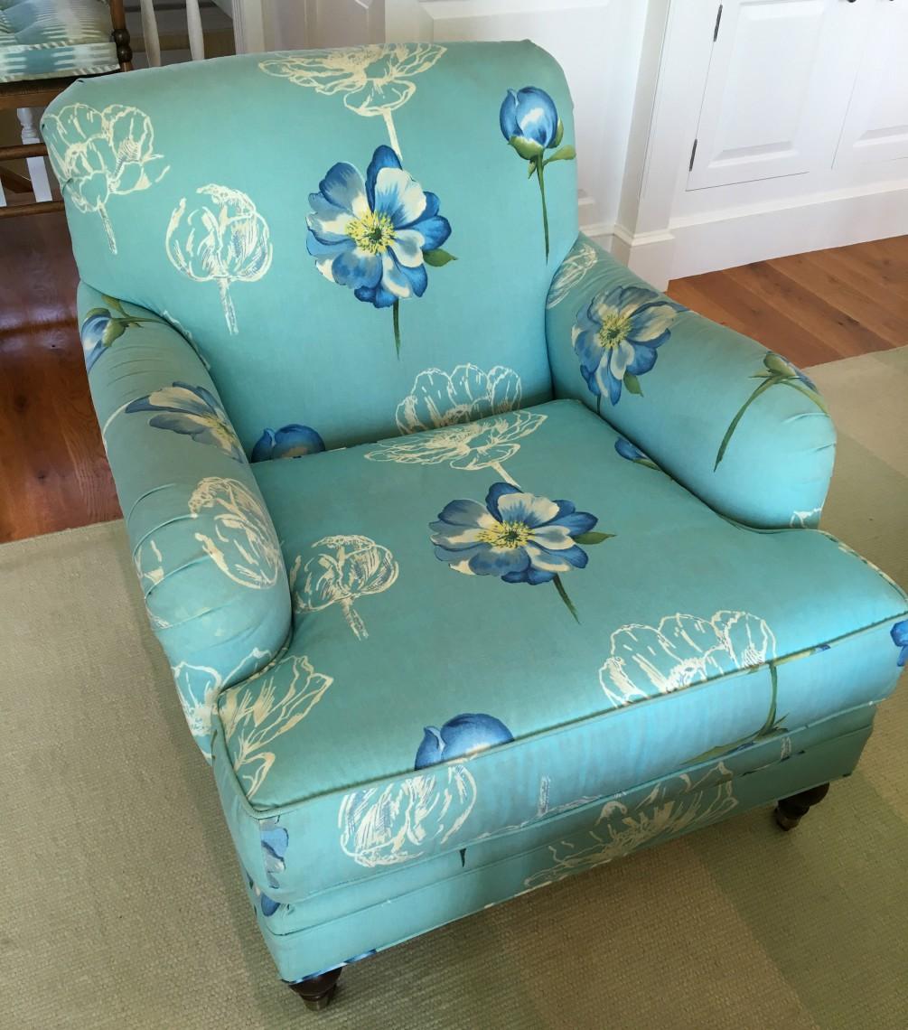 Using Bright Blue in Interior Design 6