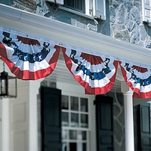 Patriotic-Bunting-on-display-outside-a-home-300x300
