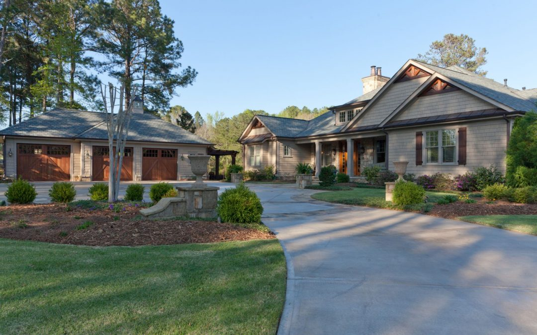 The exterior of the renovated ranch home on Lake Oconee, Georgia.