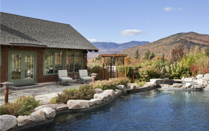 No mountain retreat would be complete without a poolside oasis for relaxing and entertaining.