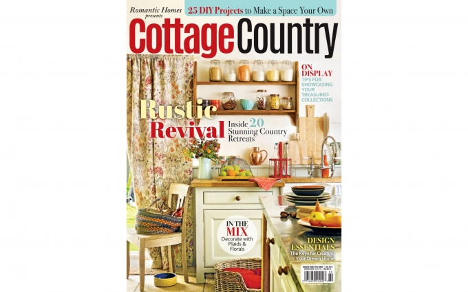 Cottage Country Magazine features the comfortable interior design of this contemporary farmhouse in the Green Mountains of Vermont designed by Boston Interior Designer Elizabeth Swartz Interiors.