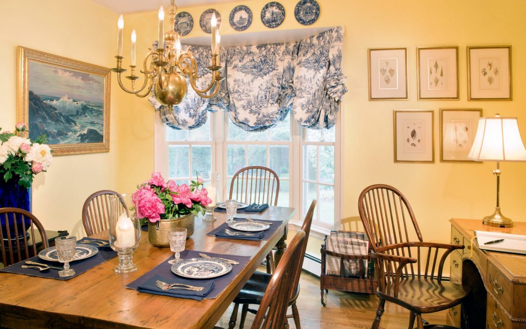 Breakfast room in this historic Newton, MA restoration by Elizabeth Swartz Interiors.