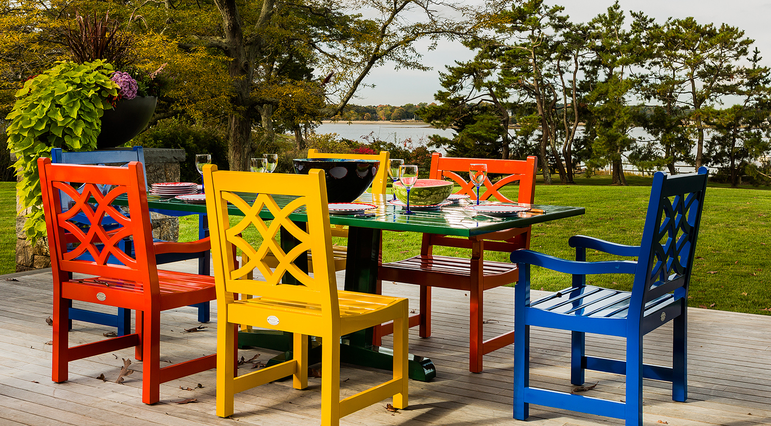 Colorful and easy outdoor living are for dining and entertaining in Hingham, MA.